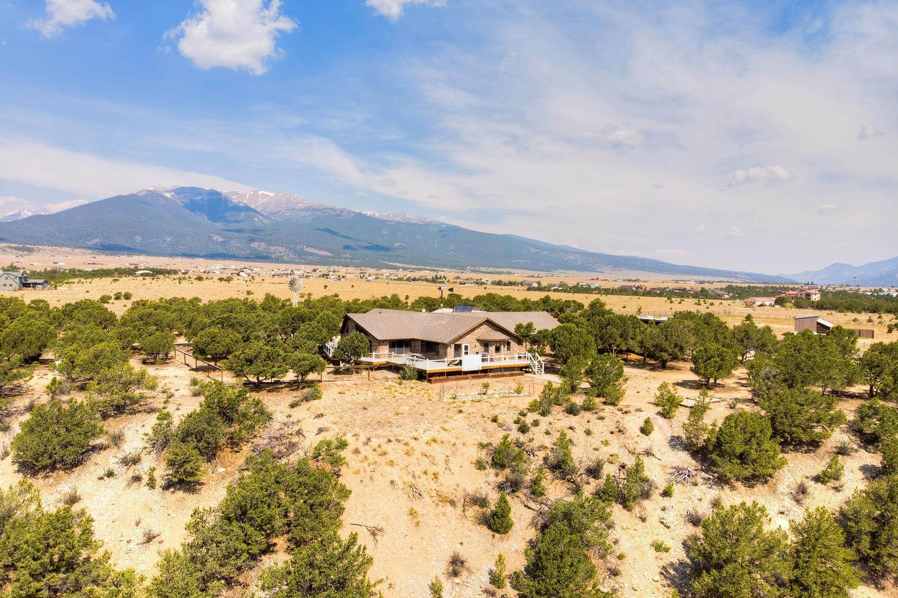 Single Family Homes por un Venta en 36+ Acre Horse Property 13250 County Road 353 Buena Vista, Colorado 81211 Estados Unidos