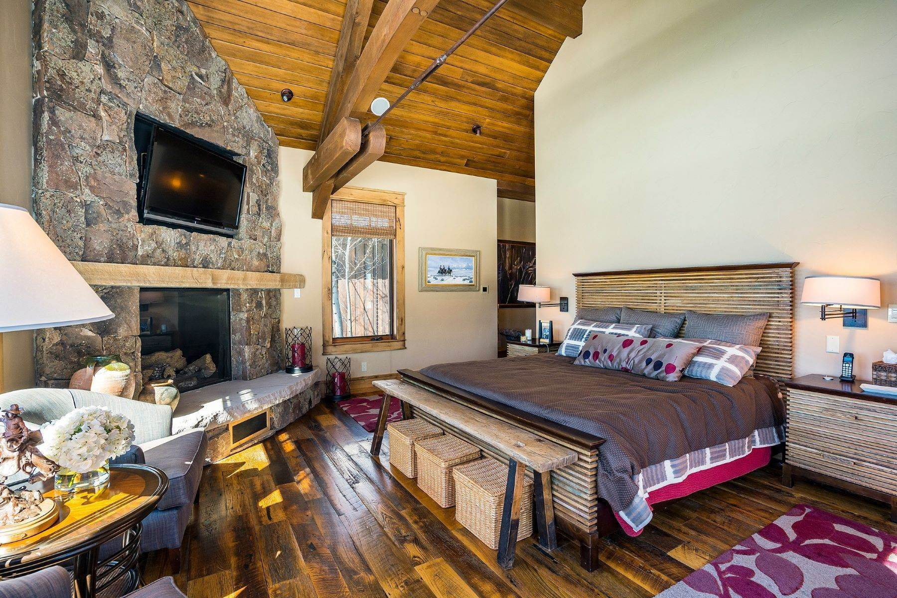 12. Single Family Homes for Sale at Beautiful Home at Catamount Ranch 33640 Catamount Drive Steamboat Springs, Colorado 80487 United States