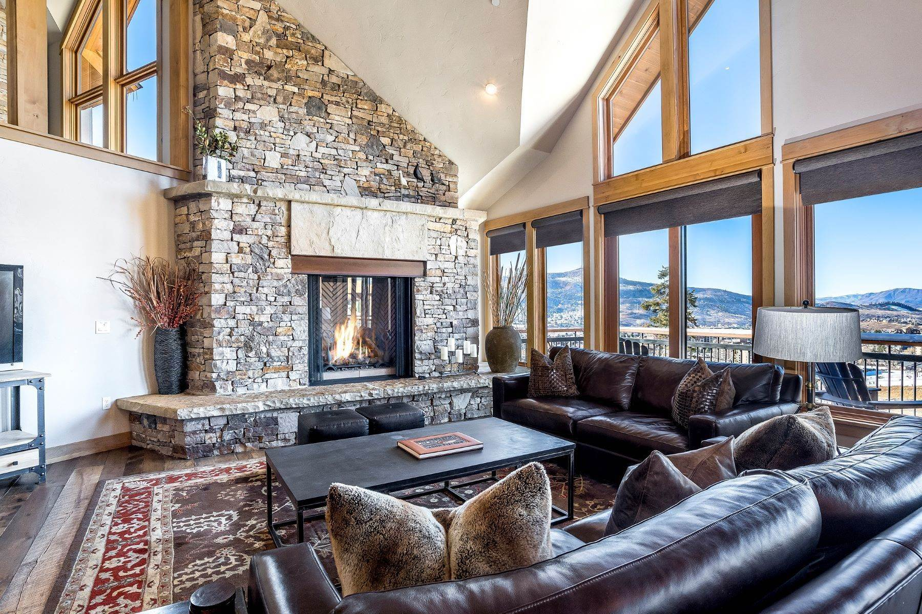 2. Single Family Homes 为 销售 在 Luxury Mountain Retreat Falconhead North 2605 Ski Trail Lane ????????, ????? 80587 ??