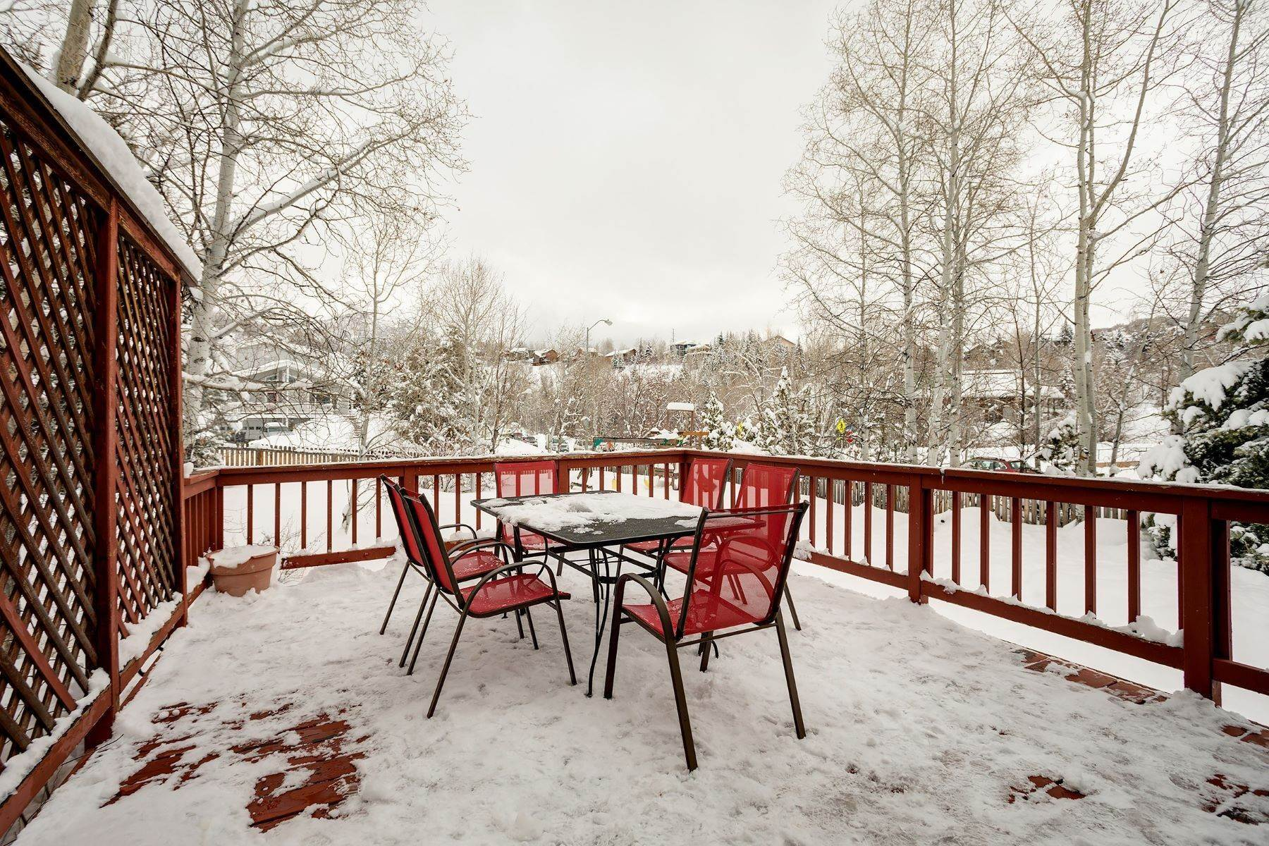24. Single Family Homes for Sale at Ideal Steamboat Home 74 E Maple Street Steamboat Springs, Colorado 80487 United States