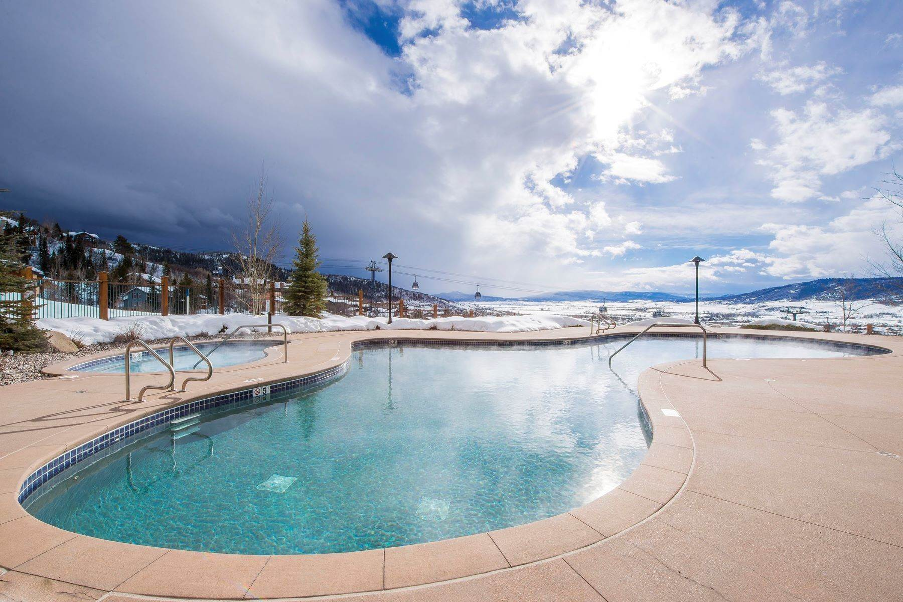 27. Condominiums for Sale at Slopeside Luxury at Edgemont 2410 Ski Trail Lane Unit #2407 Steamboat Springs, Colorado 80487 United States