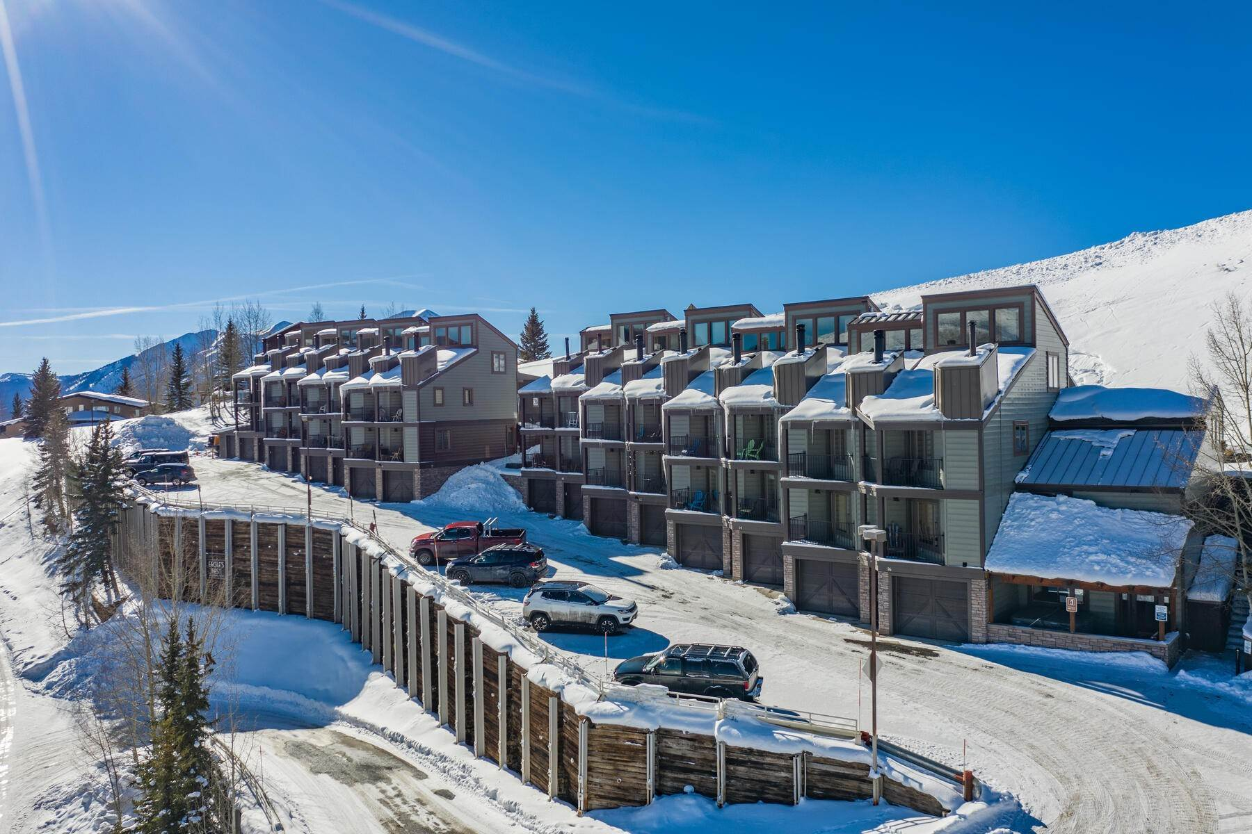 townhouses por un Venta en Beautiful Townhome in Mt Crested Butte 11 Morning Glory Way, Unit 13 Mount Crested Butte, Colorado 81225 Estados Unidos