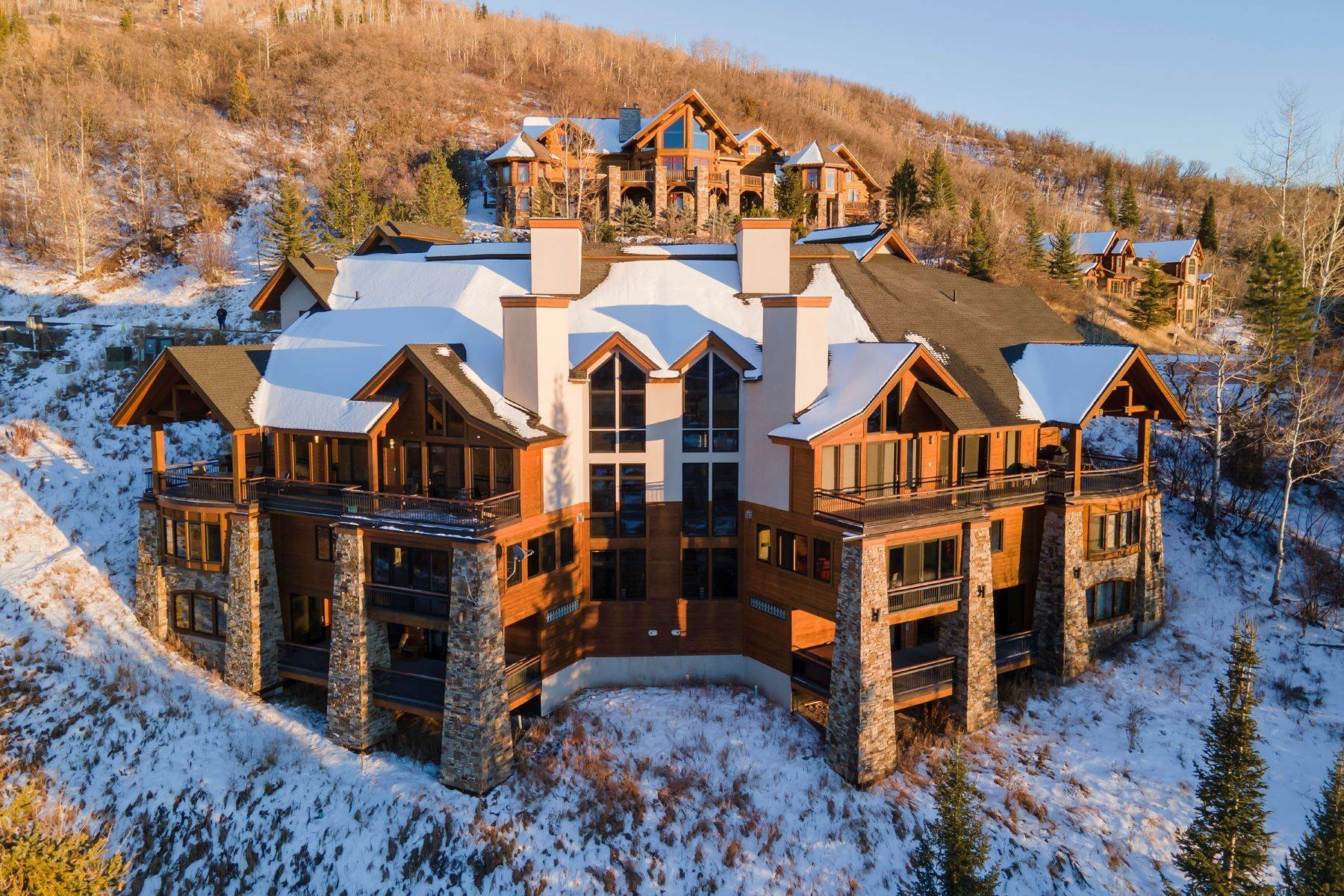 36. Single Family Homes 为 销售 在 Luxury Mountain Retreat Falconhead North 2605 Ski Trail Lane ????????, ????? 80587 ??
