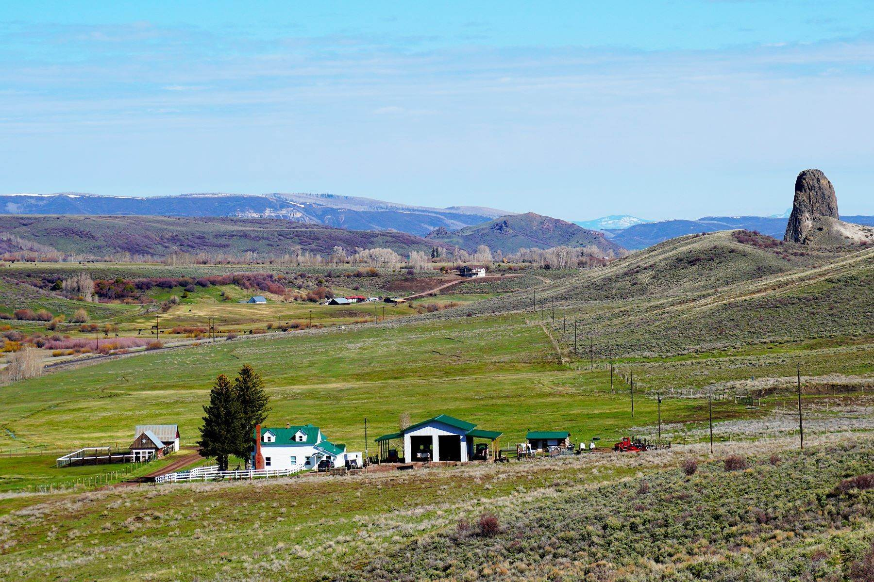 2. Farm and Ranch Properties pour l Vente à White Hawk Ranch 13400 HWY 131 Yampa, Colorado 80483 États-Unis