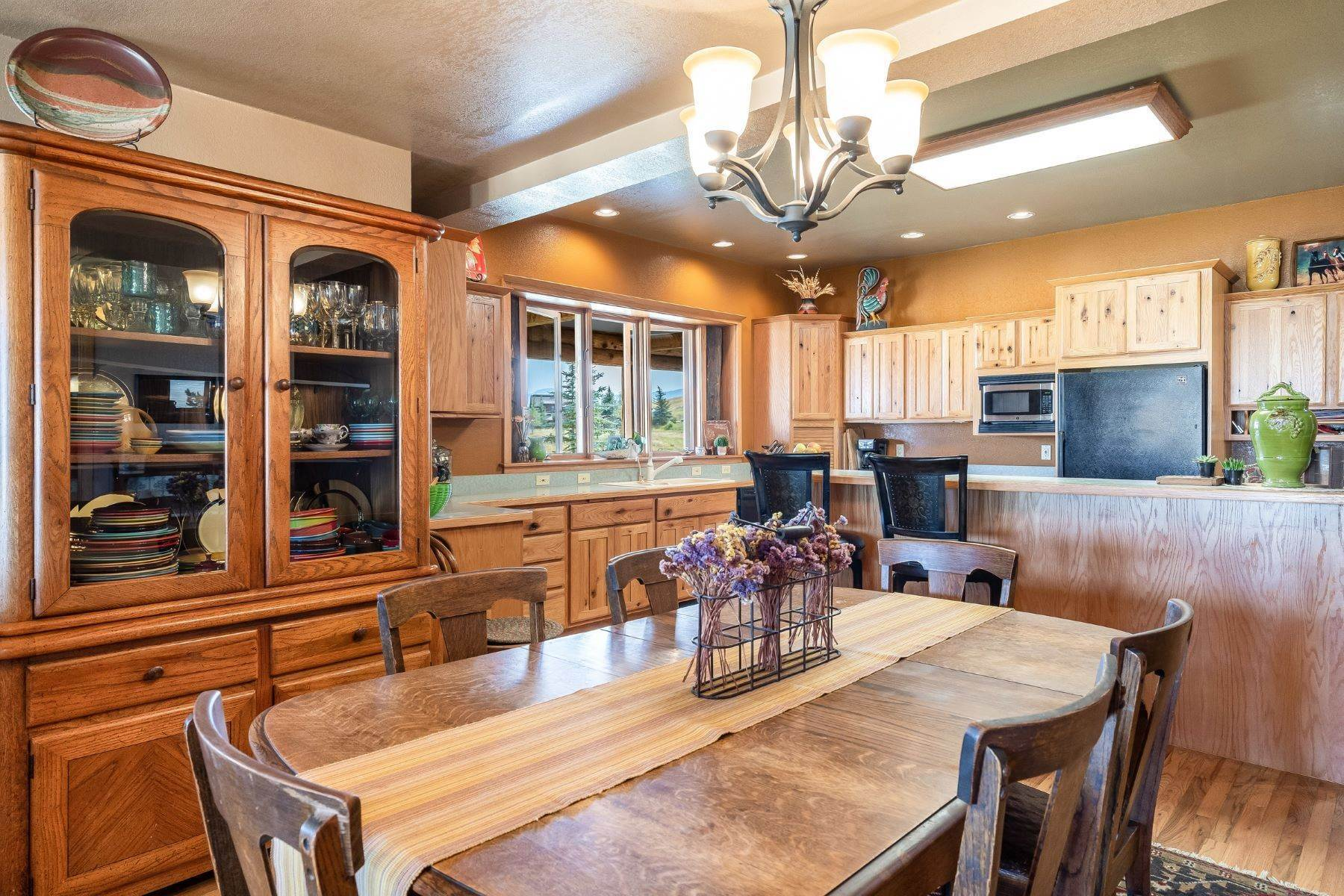 16. Single Family Homes for Sale at 38615 Klein Road Steamboat Springs, Colorado 80487 United States