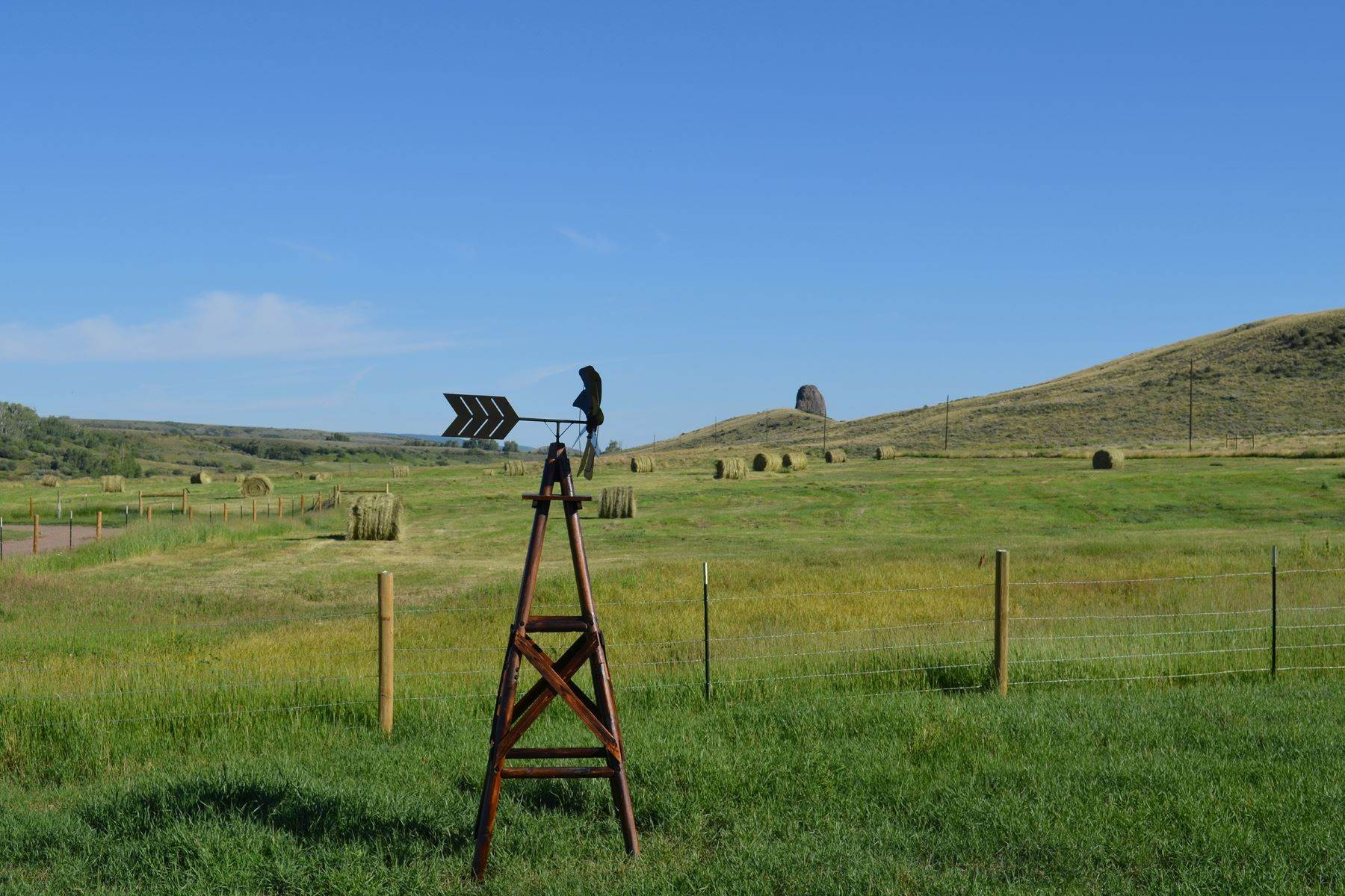 5. Farm and Ranch Properties pour l Vente à White Hawk Ranch 13400 HWY 131 Yampa, Colorado 80483 États-Unis
