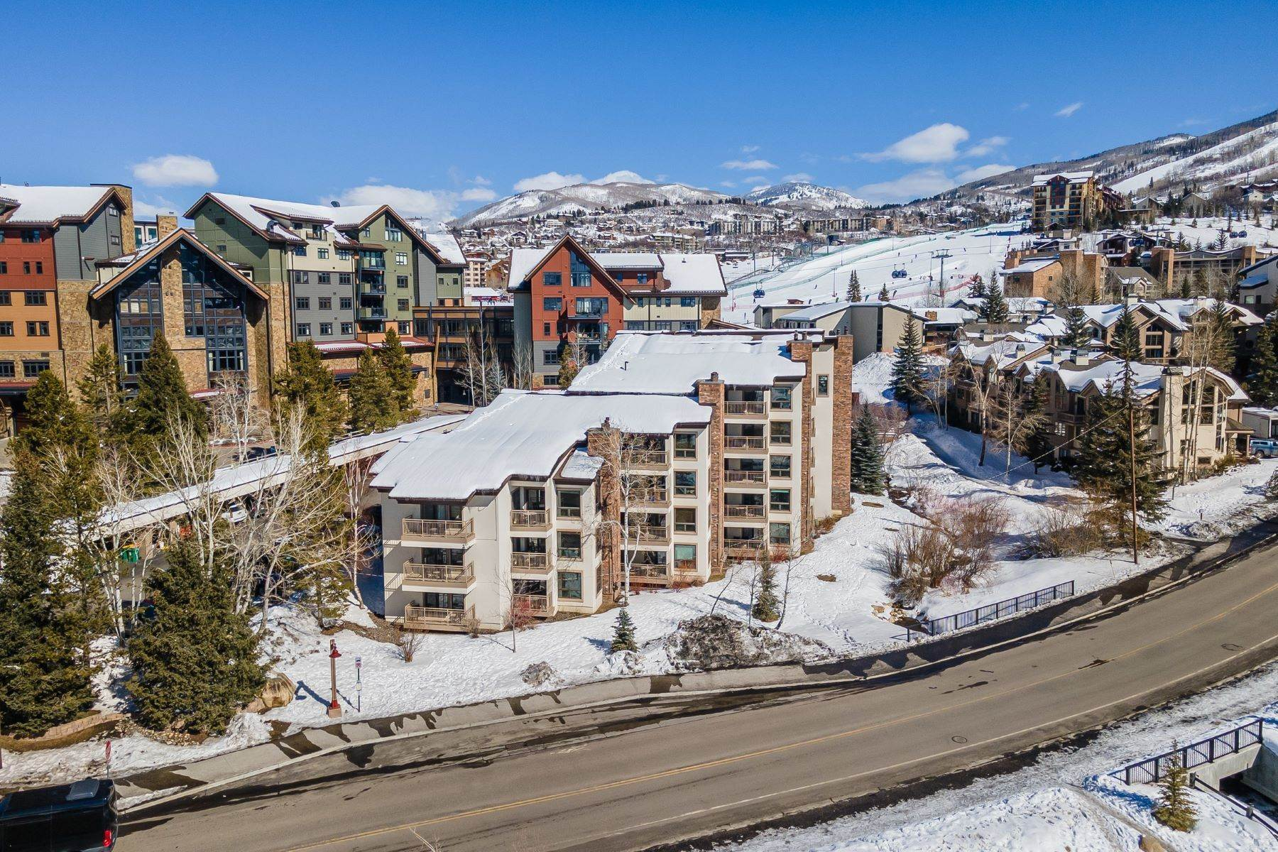 Condominiums por un Venta en Ski In/Ski Out Dulany 2286 Apres Ski Way #201 Steamboat Springs, Colorado 80487 Estados Unidos