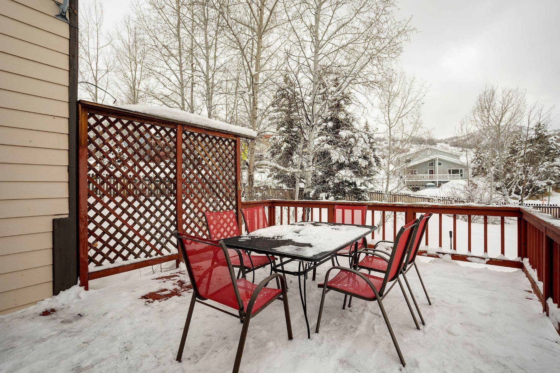 23. Single Family Homes for Sale at Ideal Steamboat Home 74 E Maple Street Steamboat Springs, Colorado 80487 United States