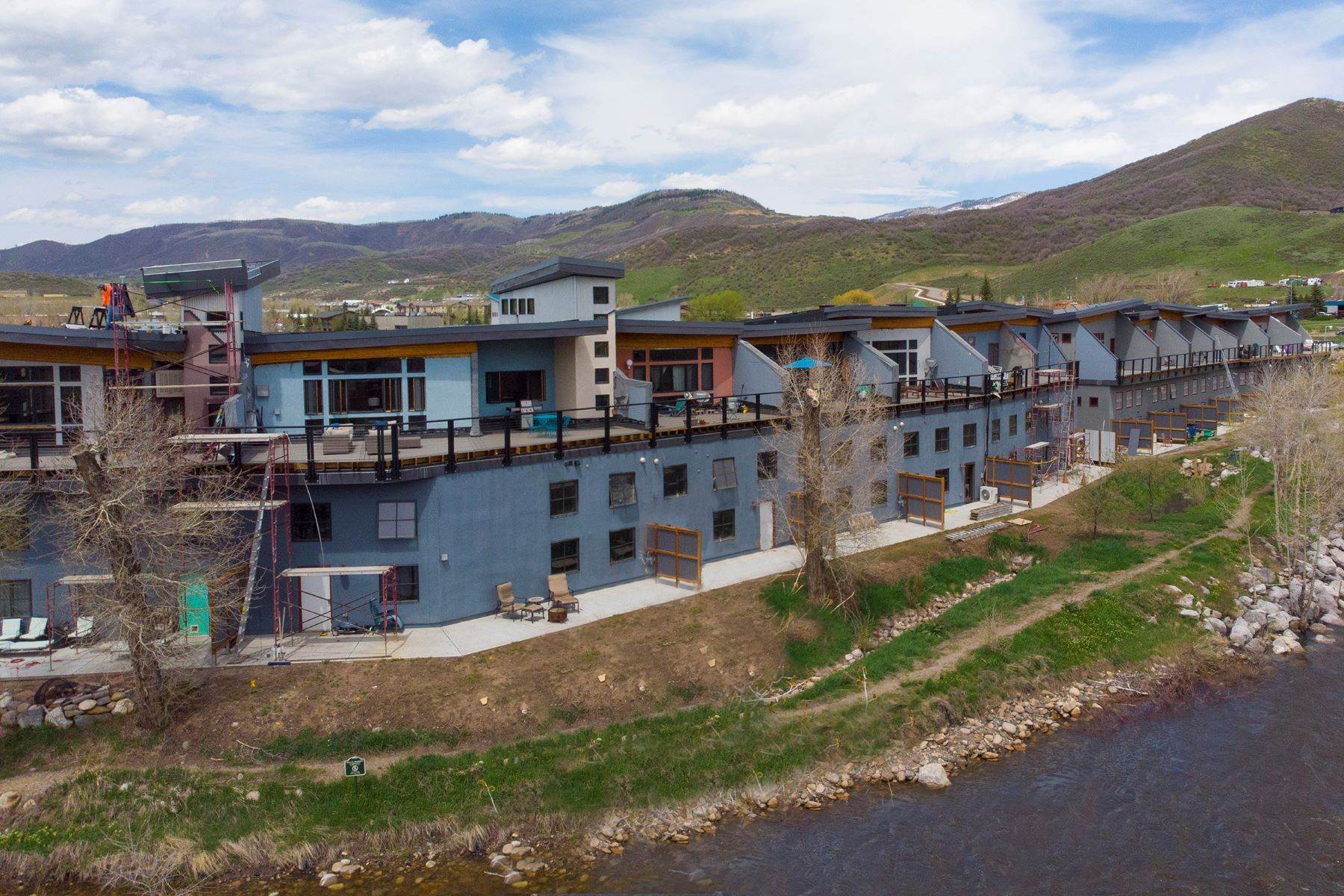 Property à Luxury River Front Living 1900 Bridge Lane Unit #2 Steamboat Springs, Colorado 80487 États-Unis
