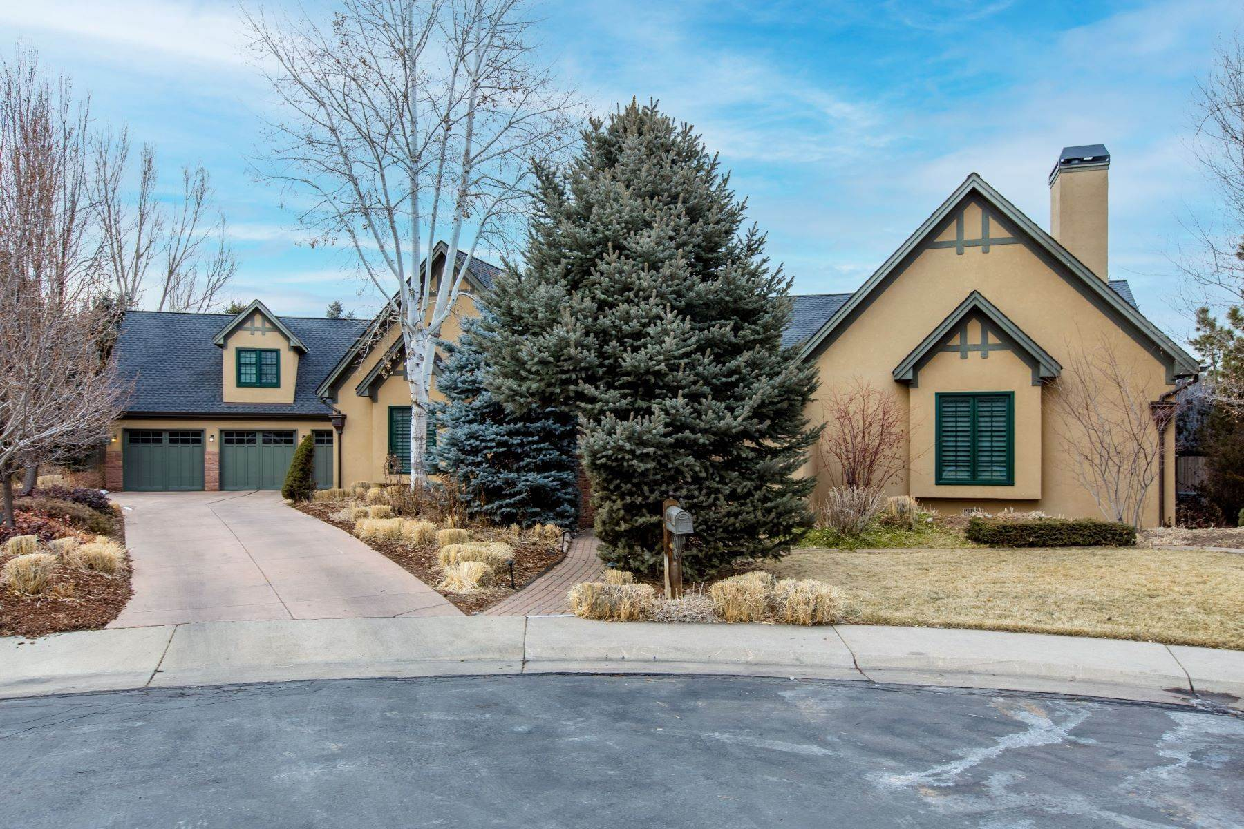 Single Family Homes for Sale at Rare Ranch Home with Fabulous Primary Wing! 5959 S Ogden Court Centennial, Colorado 80121 United States