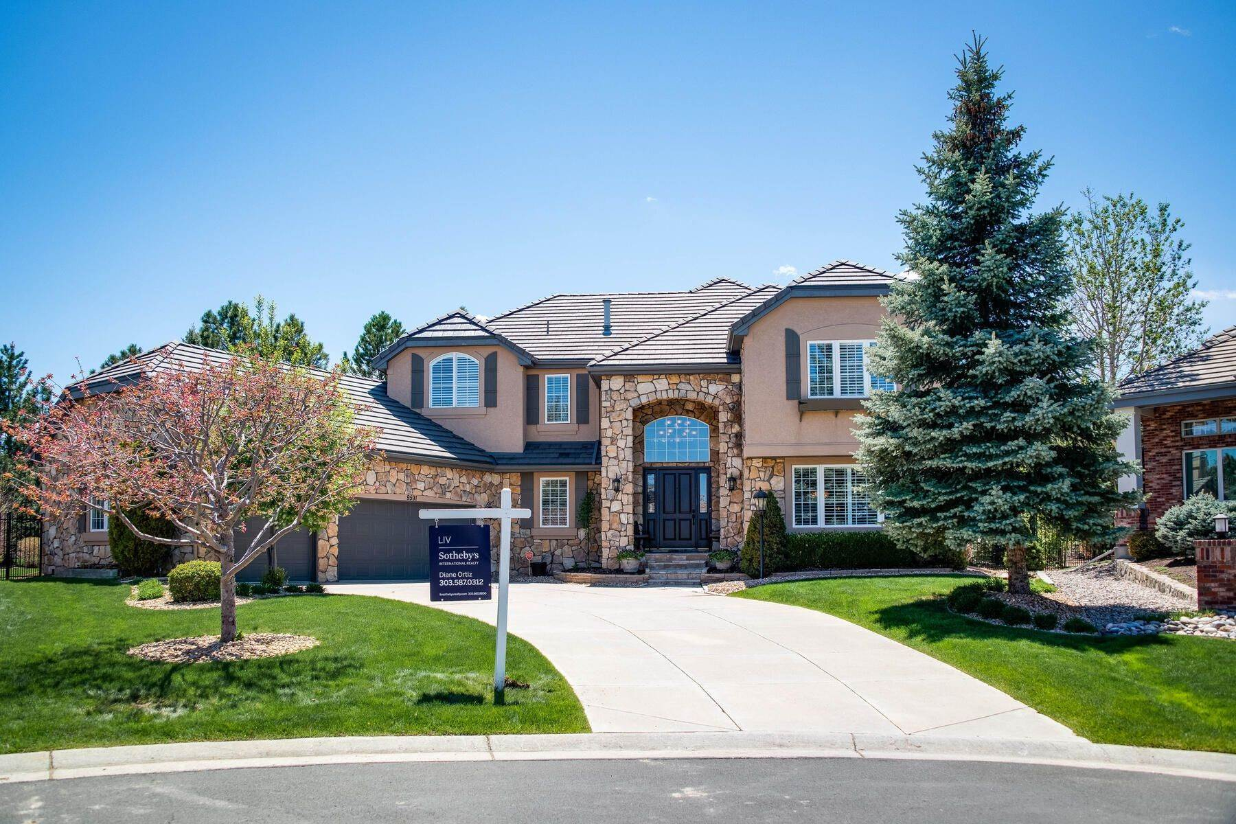 Single Family Homes for Sale at 9591 E Hidden Hill Lane, Lone Tree, Co, 80124 9591 E Hidden Hill Lane Lone Tree, Colorado 80124 United States